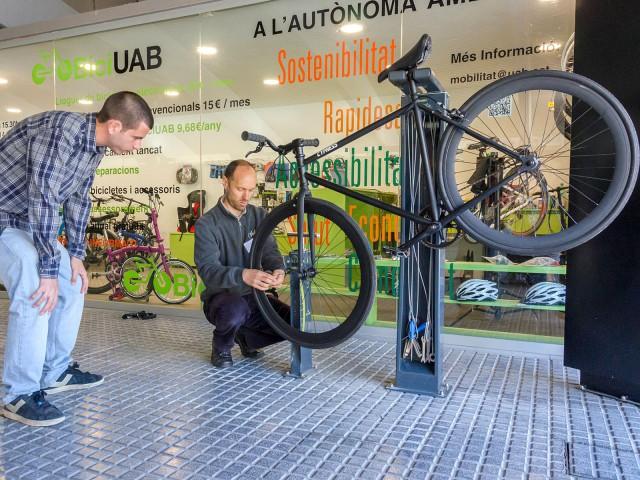 Més bicis i menys cotxes a la UAB!