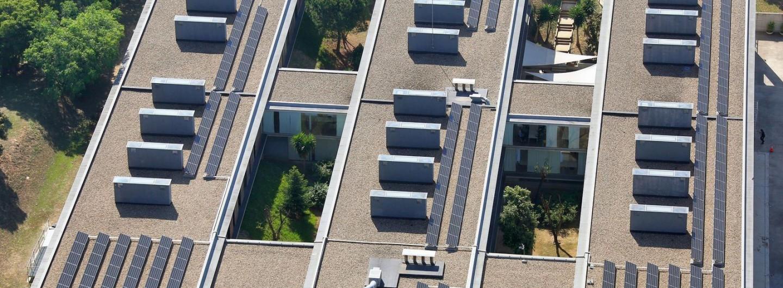 El centre sociosanitari El Carme, a Badalona, ja s'abasteix amb energia renovable