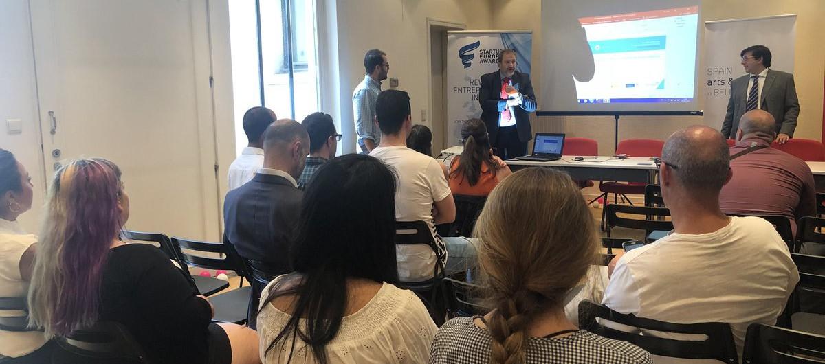 Finnova rep a Brussel·les els guanyadors del projecte Innobus 2018