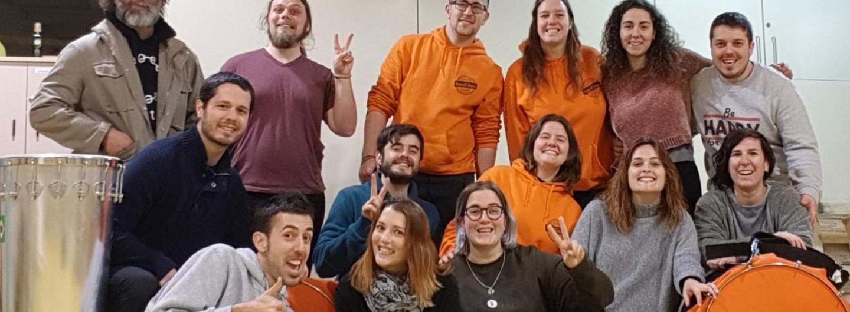 El grup de batucada ToquiKiToqui de Santa Coloma de Cervelló s'implica amb els drets de les persones refugiades