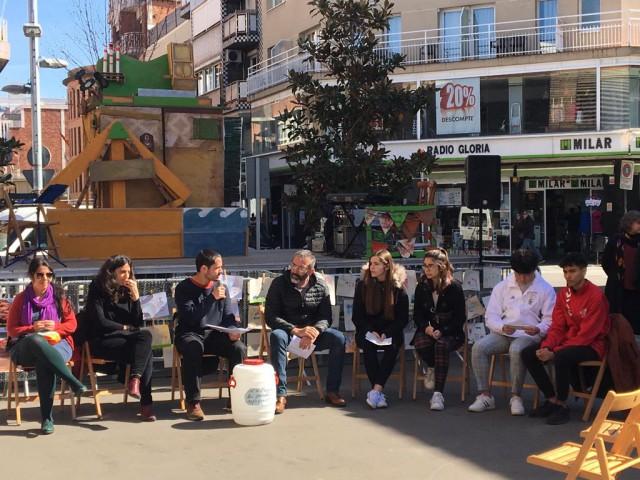 Un acte al carrer pels Drets de les Persones refugiades a Sant Adrià del Besòs