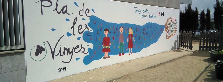 Fem un mural participatiu a l'Escola Pla de les Vinyes de Santa Coloma de Cervelló